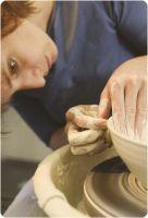 Simone bei der Arbeit im Atelier