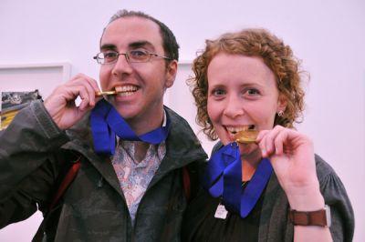 Lowri Davies . Goldmedaillengewinnerin!